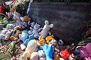 Lidice/Tschechische Republik, CZE, 23.09.06: W&auml;hrend des II. Weltkriegs wurde Lidice von den Nationalsozialisten zerst&ouml;rt. Nach dem Krieg wurde Lidice 300 m vom alten Ort entfernt neu aufgebaut. An der Stelle des fr&uuml;heren Lidice befindet sich heute ein Denkmal und Museum. Die Statuengruppe der Lidicer Kinder aus Bronze, die als ?Denkmal f&uuml;r die Kinderopfer des Krieges? gedacht ist besteht aus 42 M&auml;dchen und 40 Jungen, die 1942 ermordet wurden. <br /> <br /> Lidice/Czech Republic, CZE, 23.09.06: Lidice (Liditz in German) is a village in former Czechoslovakia (now in the Czech Republic) which was completely destroyed by the Nazis during World War II. About 340 men, women and children from the village were murdered by the Nazis. The bronze monument of Lidice children that should be also understood as A Monument of childrens war victims - 42 girls and 40 boys were murdered in 1942 by the Nazis.