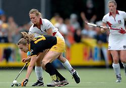 20-05-2007 HOCKEY: FINALE PLAY OFF: DEN BOSCH - AMSTERDAM: DEN BOSCH <br /> Den Bosch voor de tiende keer op rij kampioen van de Rabo Hoofdklasse Dames. In de beslissende finale versloegen zij Amsterdam met 2-0 / Jiske Snoeks en Nienke Kremers<br /> ©2007-WWW.FOTOHOOGENDOORN.NL