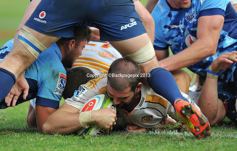 Matt Symons of the Chiefs score a try during the Super Rugby match between the Bulls and the Chiefs at Loftus Stadium in Pretoria on the 29 March 2014 ©Samuel Shivambu/BackpagePix