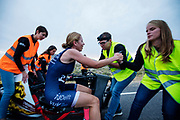 Aniek Rooderkerken heeft op de laatste racedag het Nederlands record snelfietsen voor vrouwen verbroken. Ze haalde een snelheid van 121,52 kilometer per uur, net te kort voor het wereldrecord. Het Human Power Team Delft en Amsterdam, dat bestaat uit studenten van de TU Delft en de VU Amsterdam, is in Amerika om tijdens de World Human Powered Speed Challenge in Nevada een poging te doen het wereldrecord snelfietsen voor vrouwen te verbreken met de VeloX 7, een gestroomlijnde ligfiets. Het record is met 121,81 km/h sinds 2010 in handen van de Francaise Barbara Buatois. De Canadees Todd Reichert is de snelste man met 144,17 km/h sinds 2016.<br /> <br /> With the VeloX 7, a special recumbent bike, the Human Power Team Delft and Amsterdam, consisting of students of the TU Delft and the VU Amsterdam, wants to set a new woman's world record cycling in September at the World Human Powered Speed Challenge in Nevada. The current speed record is 121,81 km/h, set in 2010 by Barbara Buatois. The fastest man is Todd Reichert with 144,17 km/h.