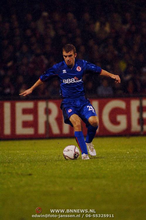 NLD/Alkmaar/20051124 - Voetbal, AZ - Middlesborough, James Morrison (25)