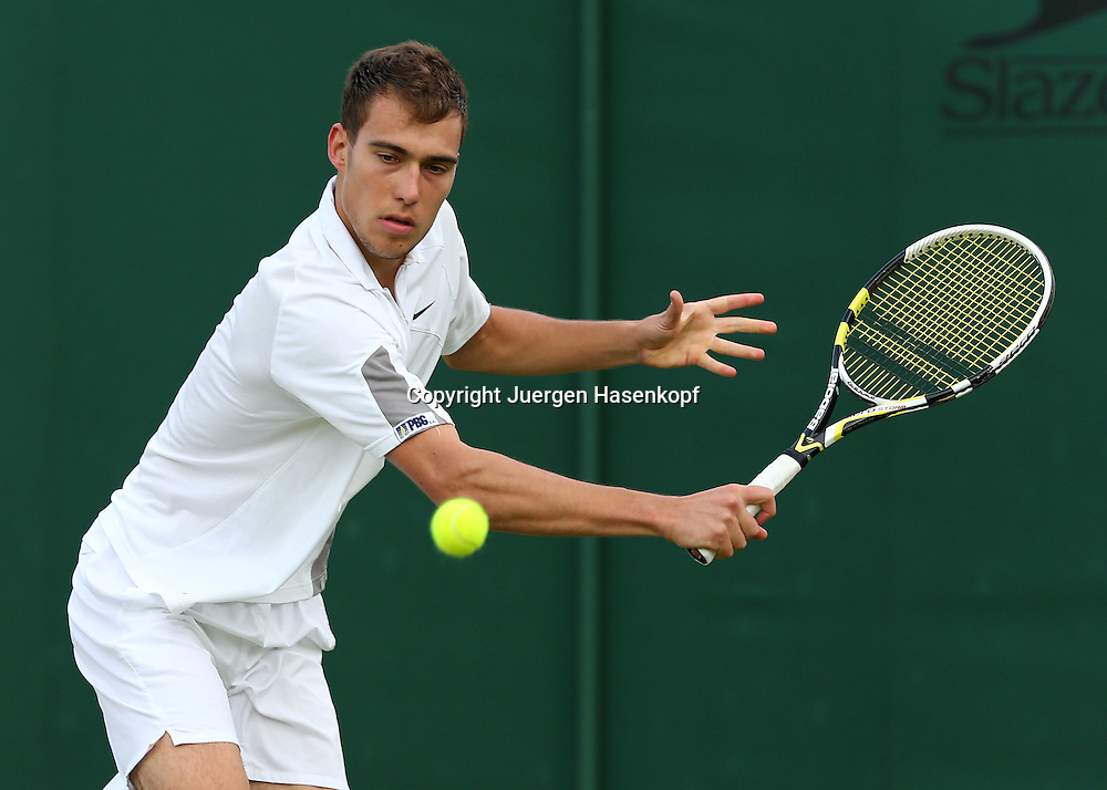 Wimbledon Championships 2012 AELTC,London,.ITF Grand Slam Tennis Tournament,.Jerzy Janowicz (POL), Aktion,,Einzelbild,Halbkoerper,Querformat,
