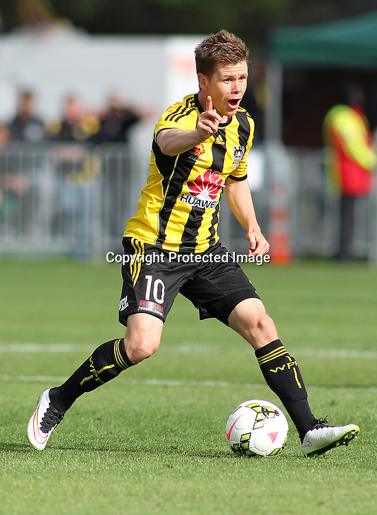 Phoenix' Michael McGlinchey during the A-League football match between the Wellington Phoenix & Melbourne City, at the Hutt Recreational Ground, Wellington, 14 February 2015. Photo.: Grant Down / www.photosport.co.nz