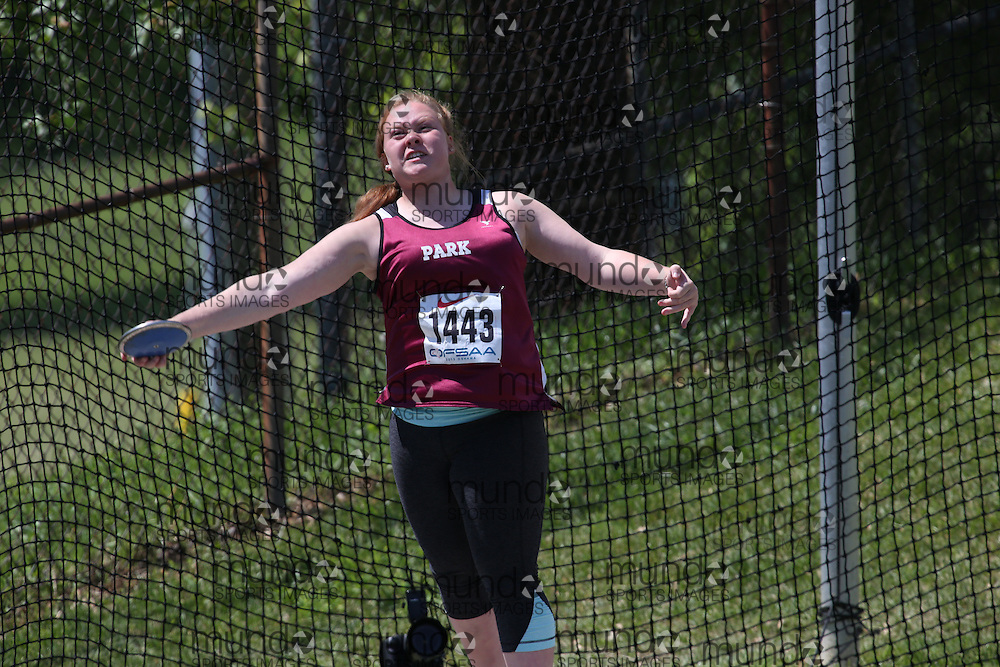 Ashley Wallace of Park Street CI - Orillia competes in the junior girls discus at the 2013 OFSAA Track and Field Championship in Oshawa Ontario, Thursday,  June 6, 2013.<br /> Mundo Sport Images / Sean Burges
