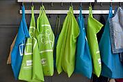 Nederland, Beek, 18-4-2018In de gang van een basisschool hangen luizenzakken aan de kapstok. Hierin zit de jas van een kind en de hoop is dat hierdoor geen besmetting met hoofdluis van een ander kind gebeurd .Foto: Flip Franssen