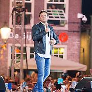 NLD/Amersfoort/20180621 - Sterren Muziekfeest op het Plein 2018, Tino Martin