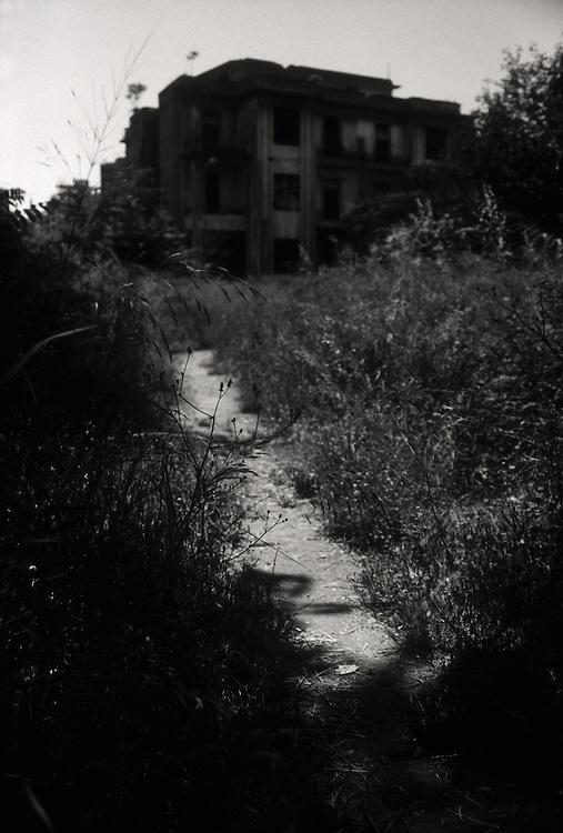 LIB LIBANON Libanon Beirut Fotoserie zum Buch ' Executor 14 ' in der vom Bürgerkrieg verwüsteten libanesischen Hauptstadt.