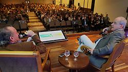 """Luiz Ataídes Jacobsen durante sua palestra sobre """"Perspectivas para o mercado de soja e milho no 26ª Seminário Cooplantio - O produtor como diferencial no Agronegócio, que acontece de 20 a 22 de junho, no hotel Serrano, em Gramado, Rio Grande do Sul. FOTO: Jefferson Bernardes/Preview.com"""