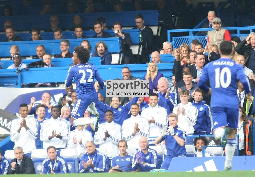 Chelsea Willian celebrates his goal