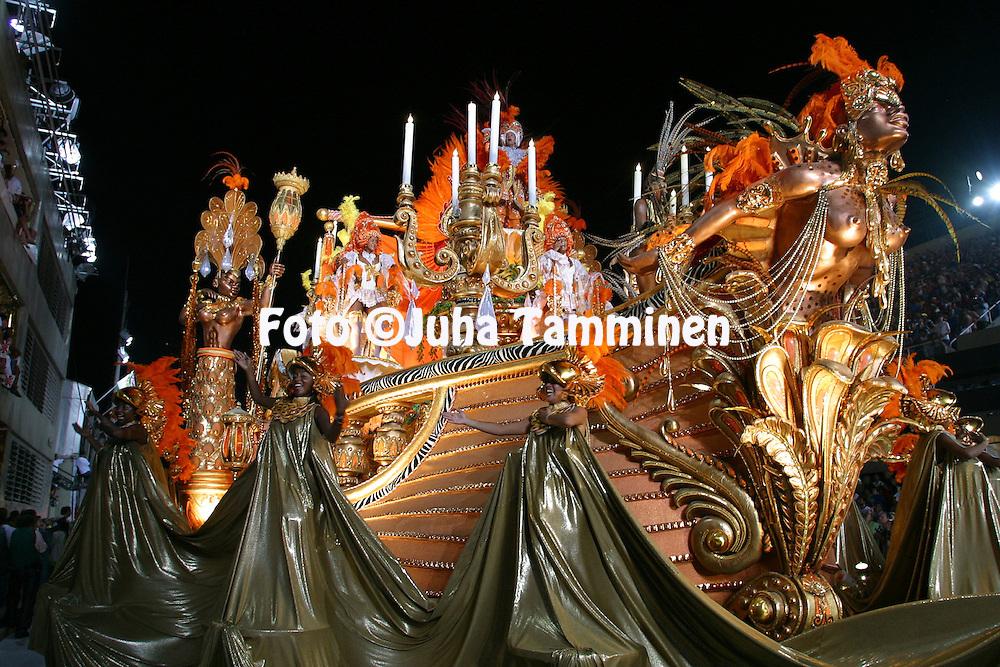 02.03.2003, Rio de Janeiro, Brazil..Carnaval 2003 - Desfile das Escolas de Samba, Grupo Especial / Carnival 2003 - Parades of the Samba Schools..Desfile de / Parade of:  GRES Acadmicos do Salgueiro.©Juha Tamminen