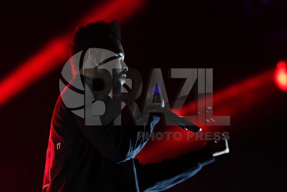 SÃO PAULO,SP, 26.03.2017 - LOLLAPALOOZA-SP - The Weekend durante apresentação no segundo dia do festival Lollapalooza no autódromo de Interlagos, neste domingo,26. (Foto: Adriana Spaca/Brazil Photo Press)
