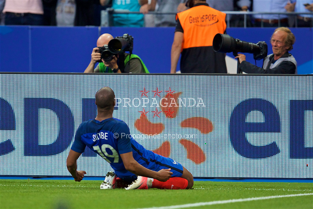 PARIS, FRANCE - Tuesday, June 13, 2017: France's Djibril Sidibé celebrates scoring the second goal against England during an international friendly match at the Stade de France. (Pic by David Rawcliffe/Propaganda)