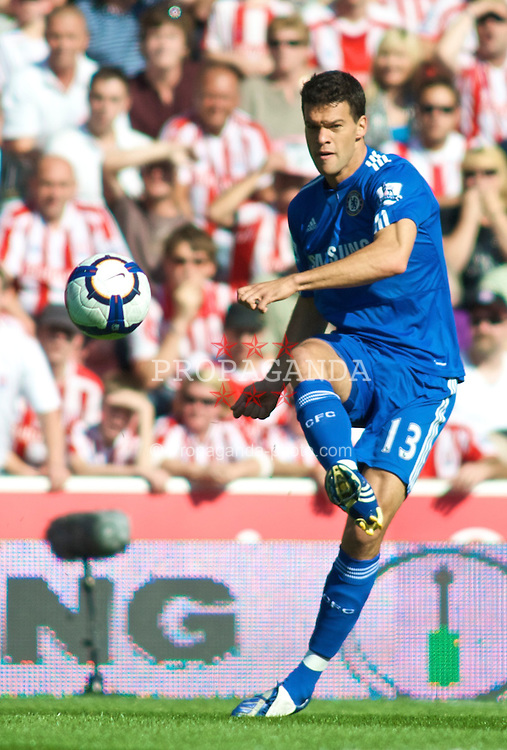 STOKE, ENGLAND - Saturday, September 12, 2009: Chelsea's Michael Ballack in action against Stoke City during the Premiership match at the Britannia Stadium. (Pic by Gareth Davies/Propaganda)