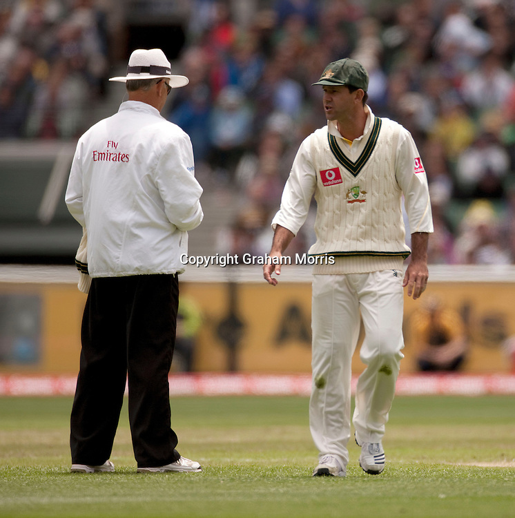 Captain Ricky Ponting has words with umpire Tony Hill after Kevin Pietersen is not caught off Ryan Harris during the fourth Ashes test match between Australia and England at the MCG in Melbourne, Australia. Photo: Graham Morris (Tel: +44(0)20 8969 4192 Email: sales@cricketpix.com) 27/12/10
