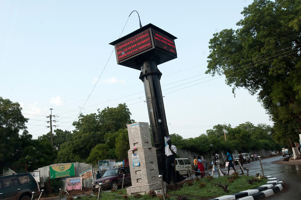 "A traffic circle with the ""Countdown to Independence"" tower in the middle..Juba, South Sudan. 08/07/2011..Photo © J.B. Russell"