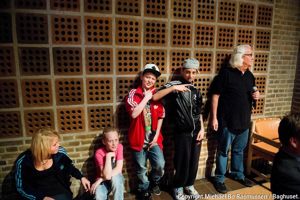 Fristedet underholder. Aalborg Haandværkerforening, Laug, Aalborg Kommune m.m. uddeler legater i Byrådssalen.Foto: © Michael Bo Rasmussen / Baghuset. Dato: 15.05.12