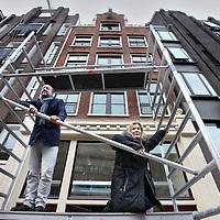 Nederland, Amsterdam , 29 november 2011..Otto Nan en Suzanne Oxenaar, de zakelijk en artistiek directeur van het Lloyd Hotel, noemen hun tweede hotel The Exchange..The Exchange komt op de nummers 49, 50 en 51, waarin voorheen Hotel Damrak en De Korenaer waren gevestigd. De panden behoren tot de twaalf op het Damrak die de NV Stadsgoed in 2009 voor veertig miljoen van de Barazaniclan kocht. ..Foto:Jean-Pierre Jans