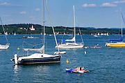 Boote, Überlinger See mit Klosterkirche Birnau im Hintergrund, Bodensee, Baden-Württemberg, Deutschland