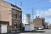 Belgie, Huy, Tihange, 13-4-2013 De kerncentrale van Tihange, bij de waalse stad Huy. The nuclear power plant, near the city of Huy. Twee van de drie reactoren zijn stilgelegd omdat er haarscheurtjes zijn gevonden in het reactorvat. Belgie leunt zwaar op kernenergie.Foto: Flip Franssen/Hollandse Hoogte