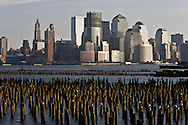 New York. lower Manhattan skyline , Hudson river, view from Hoboken and New Jersey  New York - United states  /  le skyline de Manhattan Dowtown, l Hudson river, vue depuis Hoboken New Jersey  New York - Etats-unis