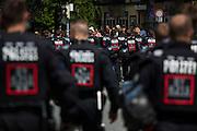 Deutschland | Garmisch-Partenkirchen | 05.06.2015: G7 Gipfel in Elmau bei Garmisch-Partenkirchen. Protestzug mit ca. 450 Teilnehmern vom Camp zum Marschall-Komplex der US Armee in Garmisch.<br /> <br /> hier: R&uuml;ckmarsch zum Camp<br /> <br /> 20150605<br /> <br /> NUTZUNG HONORARPFLICHTIG!<br /> [Inhaltsveraendernde Manipulation des Fotos nur nach ausdruecklicher Genehmigung des Fotografen. Vereinbarungen ueber Abtretung von Persoenlichkeitsrechten/Model Release der abgebildeten Person/Personen liegt/liegen nicht vor.] [No Model Release | No Property Release]
