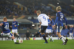 Andreas Cornelius of Atalanta (C) scores his sides fourth goal - Mandatory by-line: Jack Phillips/JMP - 23/11/2017 - FOOTBALL - Goodison Park - Liverpool, England - Everton v Atalanta - UEFA Europa League Group Stage