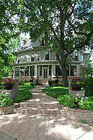 Mary Tyler Moore home in Minneapolis, Minnesota. Mary Tyler Moore home. Home of the late Mary Tyler Moore who passed in January 2017. Television home of Mary Tyler Moore in Minneapolis, Minnesota. Television home of Mary Tyler Moore in Minneapolis, Minnesota.