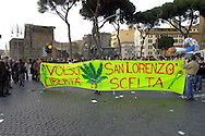 Roma 11 Marzo 2006.Strett Parade nazionale, organizzata dal movimento antiproibizionista, per chiedere l'abrogazione della legge Fini-Giovanardi, sulle droghe..Rome March 11, 2006.National Strett Parade,organized by the prohibitionist movement,to demand the repeal of the law Fini-Giovanardi, on the drugs..thae banner reads:Volsci (street) San Lorenzo (district of Rome).Freedom of choice.