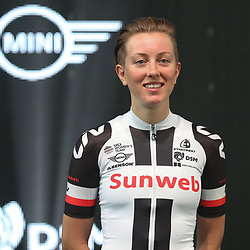 05-01-2017: Wielrennen: Presentatie Sunweb Giant: Rotterdam  <br />