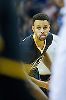 MEMPHIS, TN - DECEMBER 10:  Stephen Curry #30 of the Golden State Warriors looks to make a pass during a game against the Memphis Grizzlies at the FedExForum on December 10, 2016 in Memphis, Tennessee.  The Grizzlies defeated the Warriors 110-89.  NOTE TO USER: User expressly acknowledges and agrees that, by downloading and or using this photograph, User is consenting to the terms and conditions of the Getty Images License Agreement.  (Photo by Wesley Hitt/Getty Images) *** Local Caption *** Stephen Curry