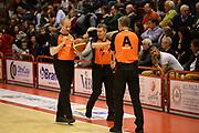 DESCRIZIONE : Pistoia Lega serie A 2013/14  Giorgio Tesi Group Pistoia Pesaro<br /> GIOCATORE : Arbitro<br /> CATEGORIA : time out<br /> SQUADRA : Giorgio Tesi Group Pistoia Pesaro Basket<br /> EVENTO : Campionato Lega Serie A 2013-2014<br /> GARA : Giorgio Tesi Group Pistoia Pesaro Basket<br /> DATA : 24/11/2013<br /> SPORT : Pallacanestro<br /> AUTORE : Agenzia Ciamillo-Castoria/M.Greco<br /> Galleria : Lega Seria A 2013-2014<br /> Fotonotizia : Pistoia  Lega serie A 2013/14 Giorgio  Tesi Group Pistoia Pesaro Basket<br /> Predefinita :