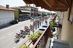 Dashing towards the first sprint point at Giro Rosa 2018 - Stage 8, a 126.2 km road race from San Giorgio di Perlena to Breganze, Italy on July 13, 2018. Photo by Sean Robinson/velofocus.com
