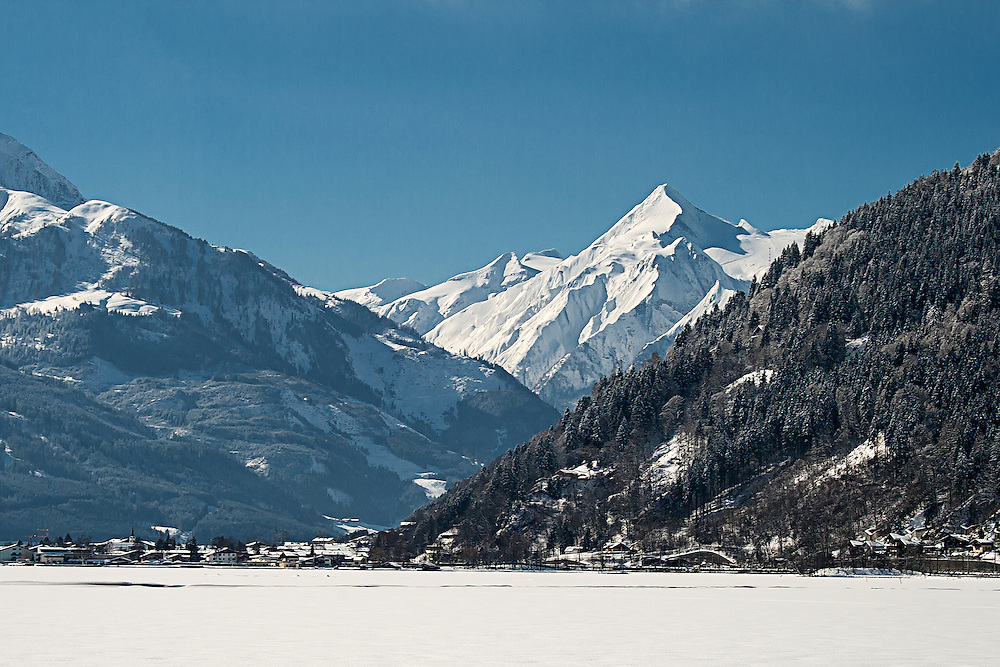 A view over the frozen Zeller See towards the Kitzsteinhorn Glacier