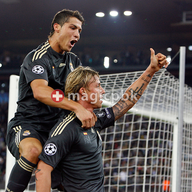 Real Madrid midfielder Guti (R) celebrates with his teammate Cristiano Ronaldo (L) after scoring to the score of 2 to 5 during to the UEFA Champions League Group C soccer match between Switzerland's FC Zurich and Spain's Real Madrid at the Letzigrund Stadium in Zurich, Switzerland, Tuesday, Sept. 15, 2009. (Photo by Patrick B. Kraemer / MAGICPBK)