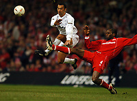 UGO EHIOGU MIDDLESBROUGH/YOURI DJORKAEFF BOLTON WANDERERS<br />