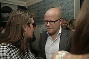 Stephen Wooley and Toby Young, The Sound of No Hands Clapping. Toby Young book launch. High Road House. Chiswick, London. 11 September 2006. ONE TIME USE ONLY - DO NOT ARCHIVE  © Copyright Photograph by Dafydd Jones 66 Stockwell Park Rd. London SW9 0DA Tel 020 7733 0108 www.dafjones.com