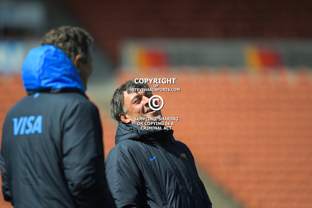 Pumas coach Daniel Hourcade during the Argentina Pumas rugby captain's run at Waikato Stadium in Hamilton, New Zealand on Friday, 9 September 2016. Photo: Dave Lintott / lintottphoto.co.nz