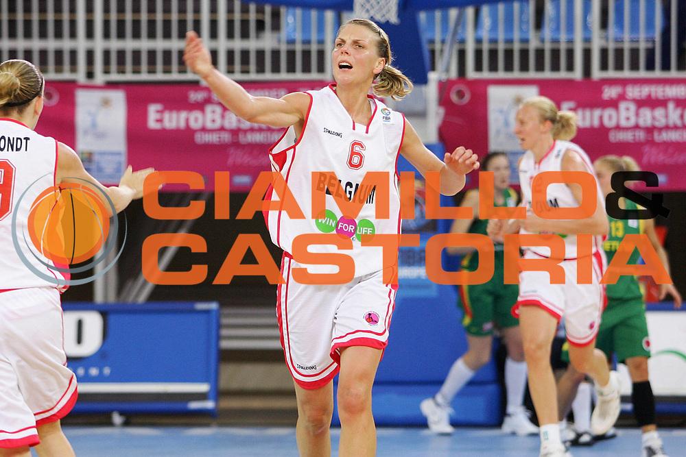 DESCRIZIONE : Lanciano Italy Italia Eurobasket Women 2007 Belgio Lituania Belgium Lithuania <br /> GIOCATORE : Irina Medveda <br /> SQUADRA : Belgio Belgium <br /> EVENTO : Eurobasket Women 2007 Campionati Europei Donne 2007<br /> GARA : Blegio Lituania Belgium Lithuania <br /> DATA : 24/09/2007 <br /> CATEGORIA : Esultanza <br /> SPORT : Pallacanestro <br /> AUTORE : Agenzia Ciamillo-Castoria/S.Silvestri <br /> Galleria : Eurobasket Women 2007 <br /> Fotonotizia : Lanciano Italy Italia Eurobasket Women 2007 Belgio Lituania Belgium Lithuania <br /> Predefinita :