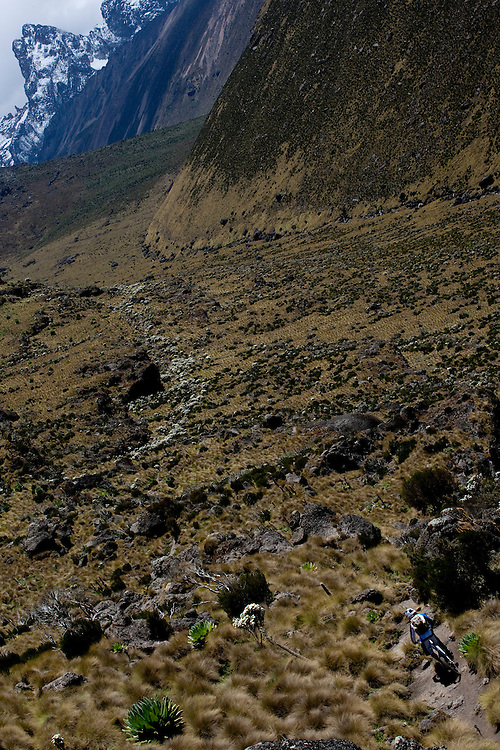 Location: Mont Kenya (Kenya) Urge Kenya 09/ The ultimate Mountain Bike gravity adventure at Mont-Kenya Athlete: Rene Wildhaber on his way to Shipton Camps (altitude 4200 meters)