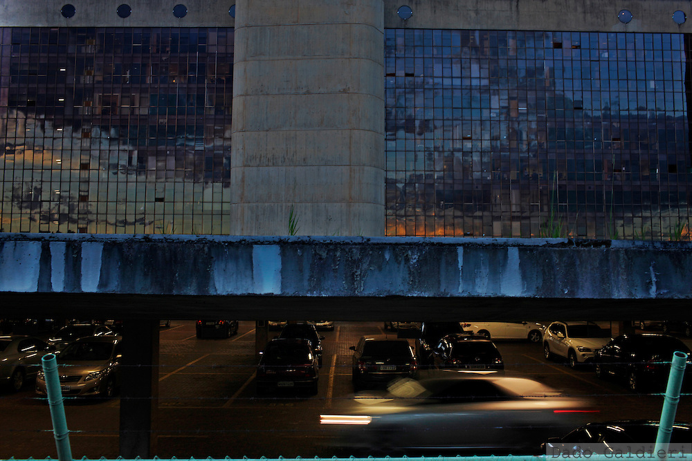 Vehicles maneuver at the National Congress subterranean garages in Brasilia, Brazil, Wednesday, Feb. 8, 2012.(Photo Dado Galdieri)