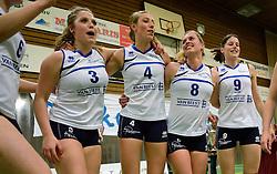 13-04-2013 VOLLEYBAL: SLIEDRECHT SPORT - SV DYNAMO APELDOORN: SLIEDRECHT<br /> Sliedrecht Sport pakt de eerste kans in eigen huis en is opnieuw Nederlands kampioen / Feest vreugde bij Sliedrecht Sport met oa. Sterre van Doorn, Rianne Lantinga, Pamela Domselaar, Mariska Koster<br /> &copy;2013-FotoHoogendoorn.nl