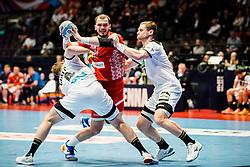 16.01.2020, Wiener Stadthalle, Wien, AUT, EHF Euro 2020, Weißrussland vs Deutschland, Hauptrunde, Gruppe I, im Bild v. l. Johannes Golla (GER), Artsem Karalek (BLR), Steffen Weinhold (GER) // f. l. Johannes Golla (GER) Artsem Karalek (BLR) Steffen Weinhold (GER) during the EHF 2020 European Handball Championship, main round group I match between Belarus and Germany at the Wiener Stadthalle in Wien, Austria on 2020/01/16. EXPA Pictures © 2020, PhotoCredit: EXPA/ Florian Schroetter