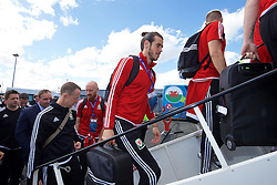 LILLE, FRANCE - Saturday, July 2, 2016: Wales' Gareth Bale boards their team plane as they head back to the team base in Dinard after reaching the Semi-Final with a 3-1 victory over Belgium in the UEFA Euro 2016 Championship Quarter-Final match. (Pic by David Rawcliffe/Propaganda)
