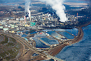 Suncor Oil Sands Project upgrading facility on the banks of the Asthabasca River