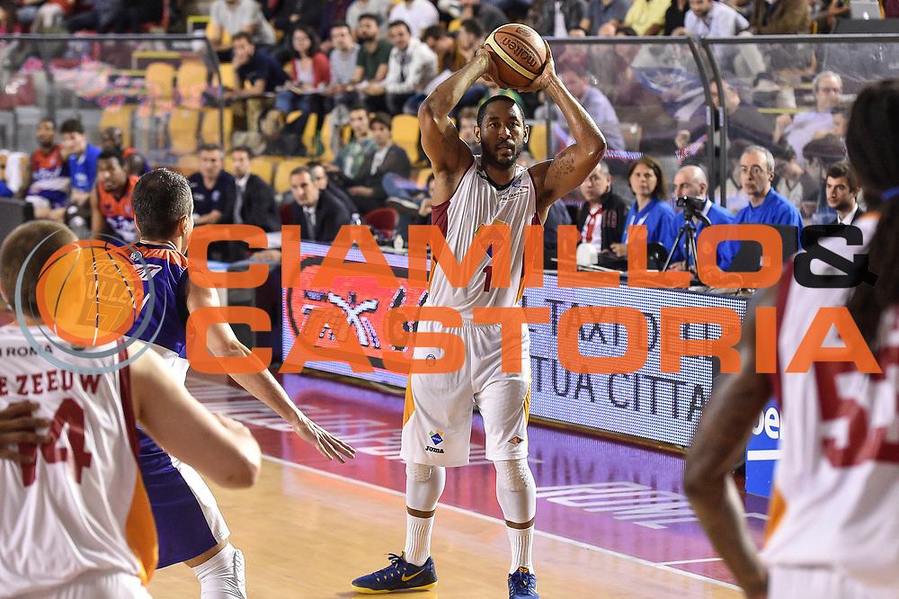 DESCRIZIONE : Campionato 2014/15 Virtus Acea Roma - Enel Brindisi<br /> GIOCATORE : Austin Freeman<br /> CATEGORIA : Passaggio<br /> SQUADRA : Virtus Acea Roma<br /> EVENTO : LegaBasket Serie A Beko 2014/2015<br /> GARA : Virtus Acea Roma - Enel Brindisi<br /> DATA : 19/04/2015<br /> SPORT : Pallacanestro <br /> AUTORE : Agenzia Ciamillo-Castoria/GiulioCiamillo
