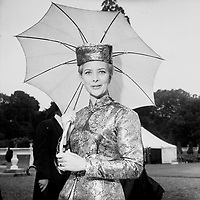 95286<br /> <br /> American President John Fitzgerald Kennedy (J.F.K.)'s visit to Ireland June 1963.<br /> President DeVaera's Garden Party at &Aacute;ras an Uachtar&aacute;in.<br /> English actress June Thorburn.<br /> (June Thorburn (8 June 1931 &ndash; 4 November 1967) was a popular English actress whose career was cut short by her death in an air crash. She was pregnant with her third child when returning to London from Spain on Iberia Airlines Flight 062 when it crashed into Blackdown Hill, Sussex, killing all 37 people aboard.)<br /> (Part of the Independent Newspapers Ireland/NLI collection.) (Box 3)