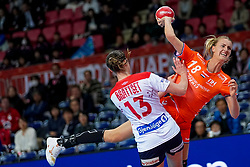 06-12-2019 JAP: Norway - Netherlands, Kumamoto<br /> Last match groep A at 24th IHF Women's Handball World Championship. / The Dutch handball players won in an exciting game of fear gegner Norway and wrote in the last group match at the World Handball  World Championship history (30-28). / Kelly Dulfer #18 of Netherlands, Kari Skaar Brattset #13 of Norway