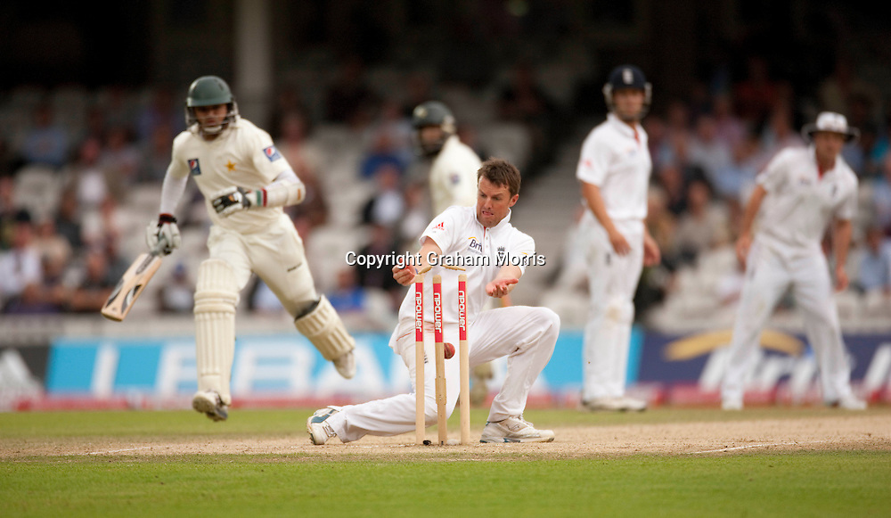 Azhar Ali is run out by Graeme Swann during the third npower Test Match between England and Pakistan at the Oval.  Photo: Graham Morris (Tel: +44(0)20 8969 4192 Email: sales@cricketpix.com) 21/08/10