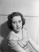 "31/07/1952<br /> 07/31/1952<br /> 31 July 1952<br /> Ms Doris Wilson ""Bayview"", 36 Caulfield Place, Sandymount, singer."
