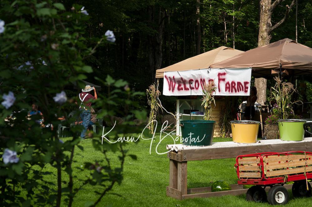 Farmer's Market 2013 Jamboree.  © Karen Bobotas Photographer